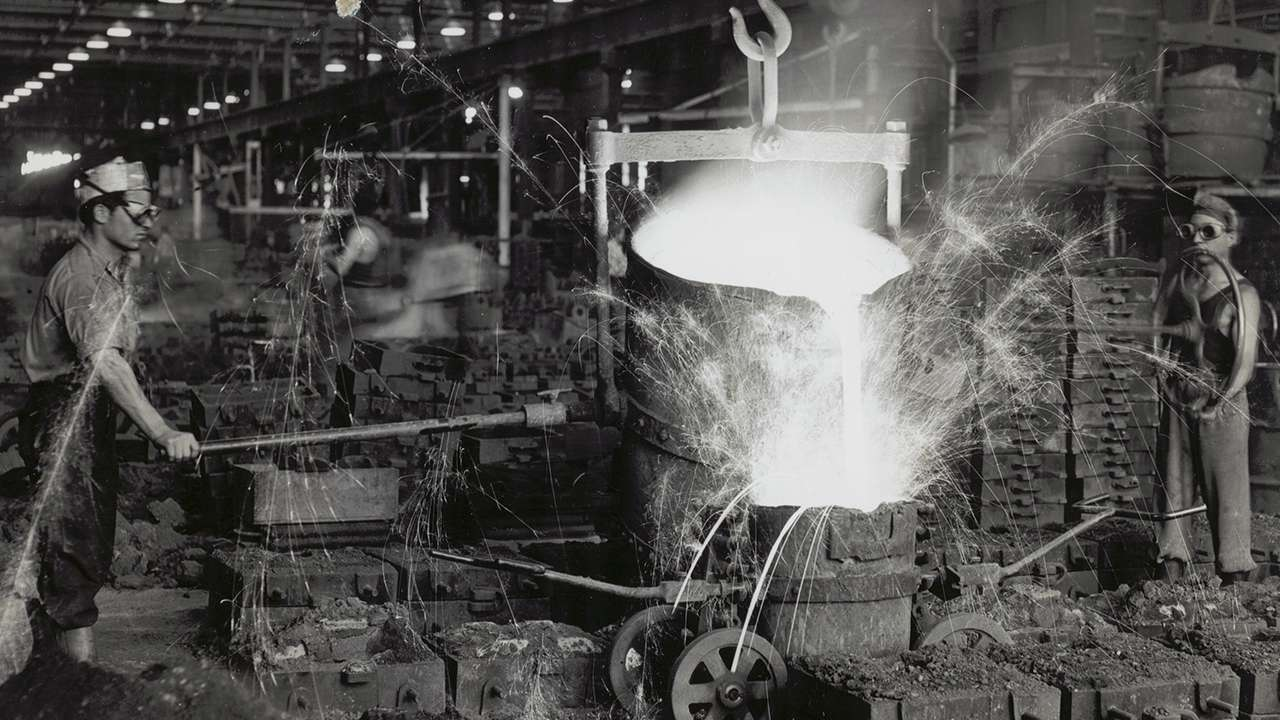 Metal casting at Eveleigh Railway Workshops, 1955
