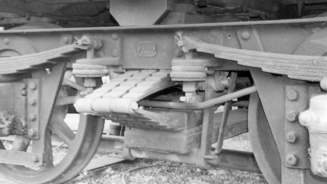 Flat springs shown in the underside and bogey of an American type suburban carriage which operated between 1944 ‐ 55