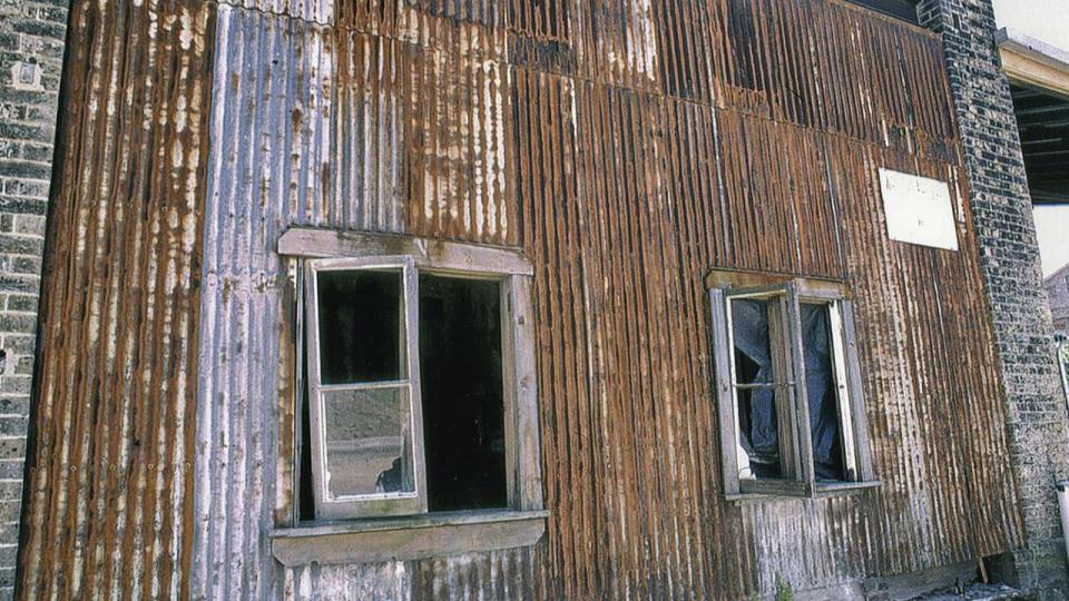 The corrugated iron on the Bay 1 Annexe was replaced during refurbishment of the Locomotive Workshop