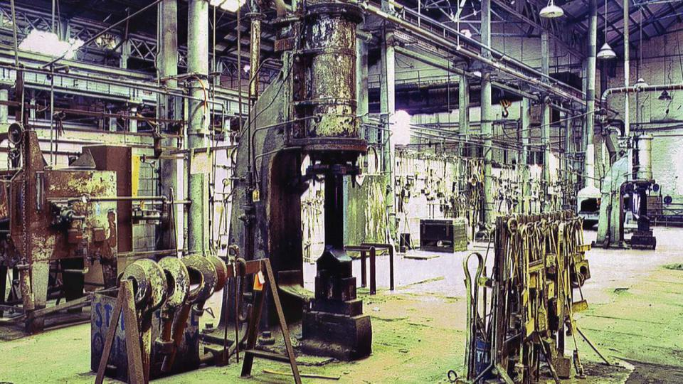 Machinery in Bays 1 and 2 was conserved and displayed in situ, including the steam hammers