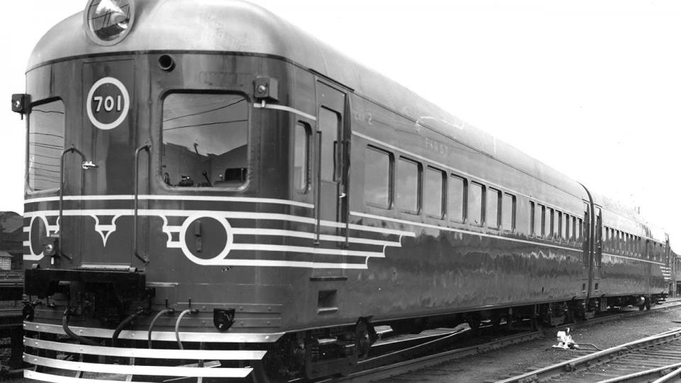 2‐Car Diesel Set 601‐701 in new condition, Y undated