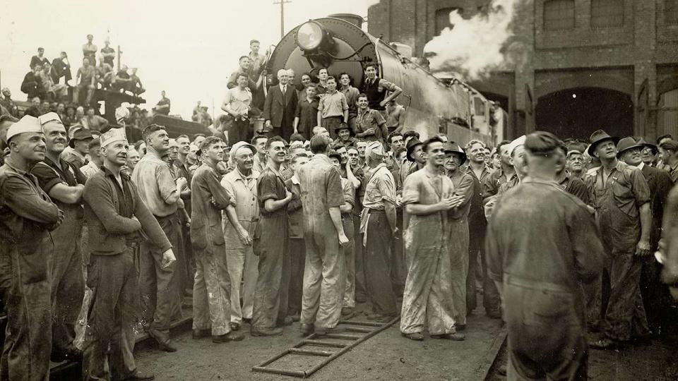 Eveleigh workers with a C3806 locomotive as it prepares for a trial run, 29 November 1945