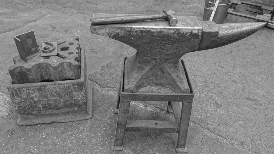 Blacksmith's anvil and swage block