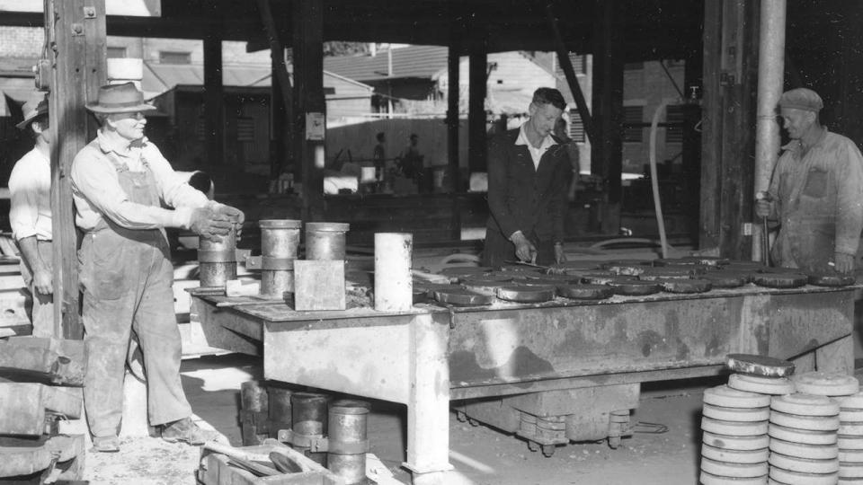 Workmen at Eveleigh, undated