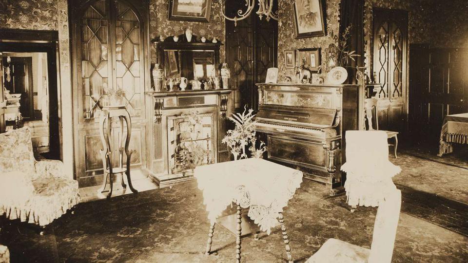 Calder House interior