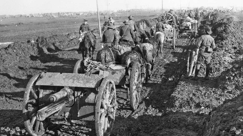 An example of teams of horses towing 18‐pounder guns and ammunition in an Australian artillery column in Picardie, France, December 1916