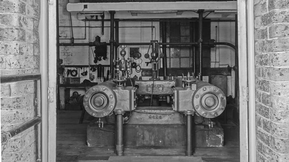 Fielding and Platt Hydraulic System Steam Pumping Engine, 2015